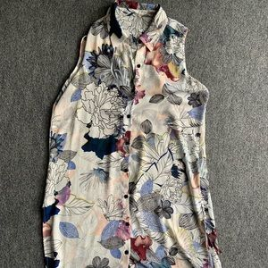 Sleeveless Water Color Button Down Tunic